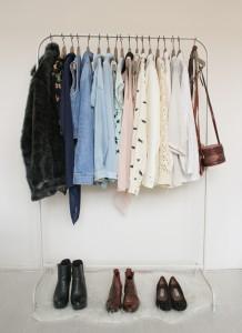Genoeg kleding in je kast, maar weet je nog niet wat je aan moet trekken? Liggen er kledingstukken die je nooit draagt? Dan kan een kleuradvies jou helpen.